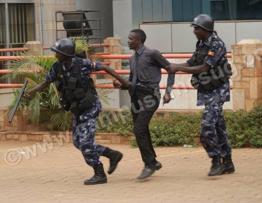 PHOTOS: Teargas and arrests as Makerere university striking students match to Parliament