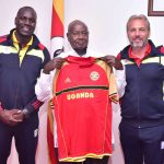 Dennis Onyango, President Museveni(middle) and Coach Desabre at State House on Tuesday